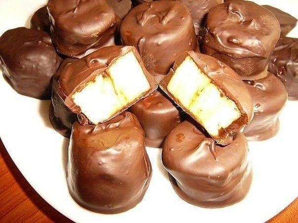Приготовить из шоколада и бананов