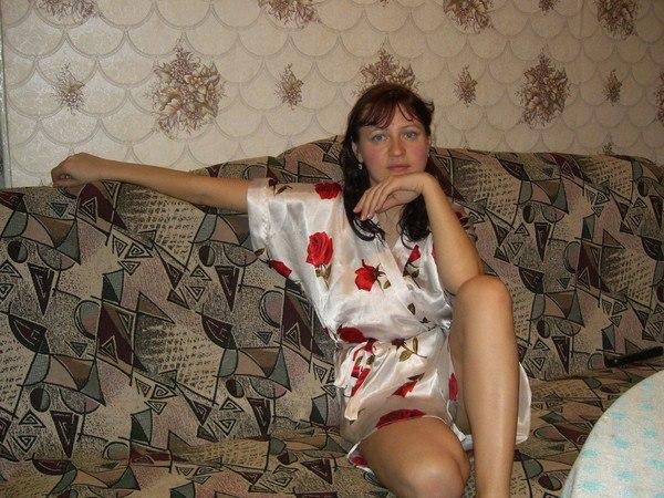 русскую жену с другом ню видео лежит полу