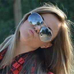 ОЛЯ, 23 года, Луховицы
