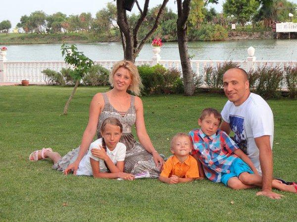 Фото - Моя семья: : Мои дядя, тетя, братья и сестра - Женя, 14 лет, Вышгород