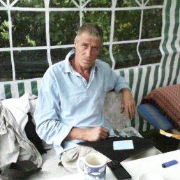 олег, 57 лет, Пестово