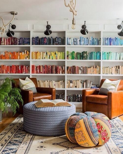 Любимые книги в интерьере.#интерьер@ideas.life