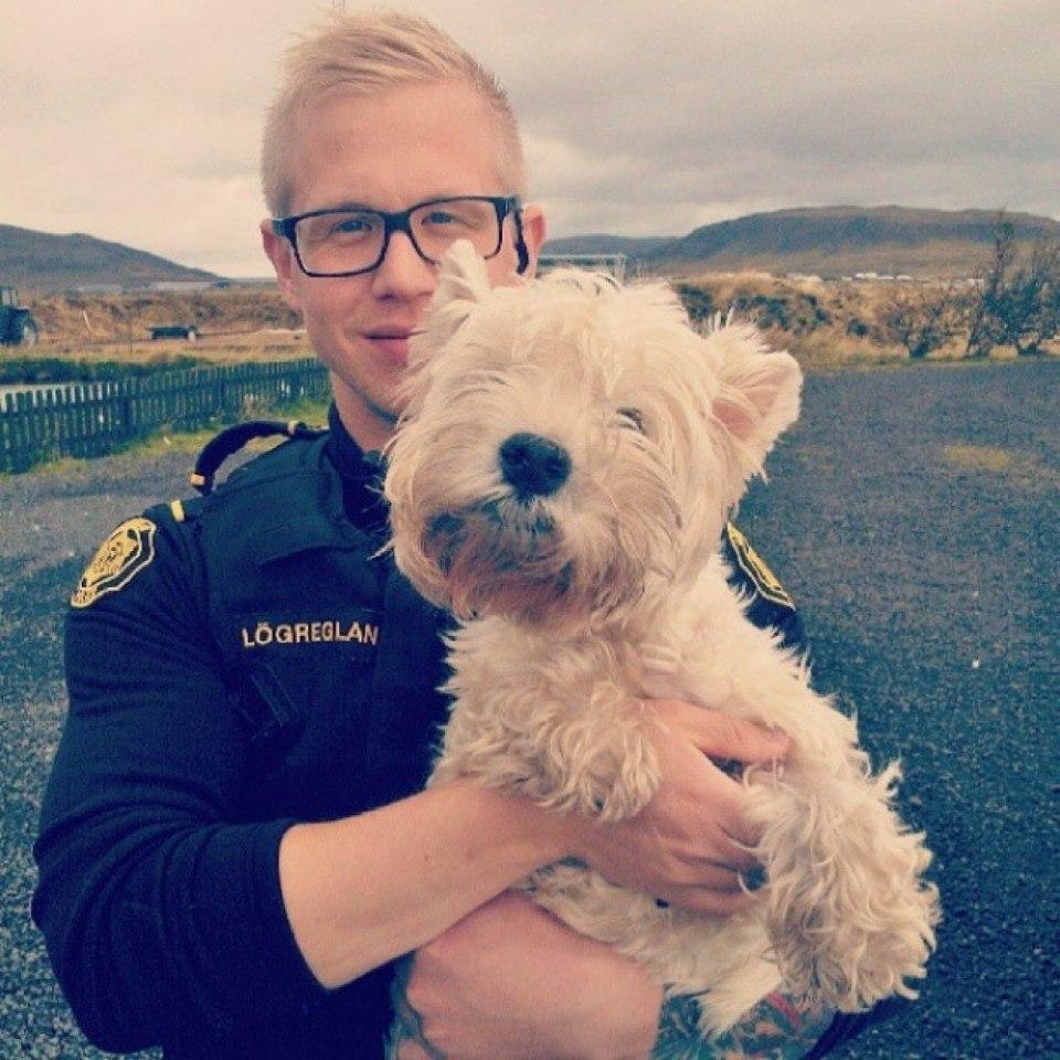 Официальный инстаграм исландской полиции