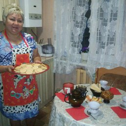 сама испекла печенье к чаю...