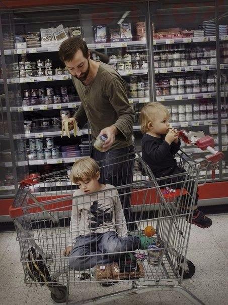 В Швеции из 480 дней отпуска по уходу за детьми 60 дней должен обязательно взять отец, иначе эти дни ... - 10