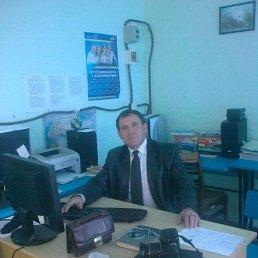 Олег, 58 лет, Геническ