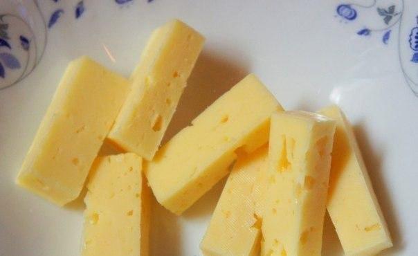 Картофельные палочки с сыром. Ингредиенты: Картофель вареный — 5 шт. Яйца куриные — 2 шт. ... - 5