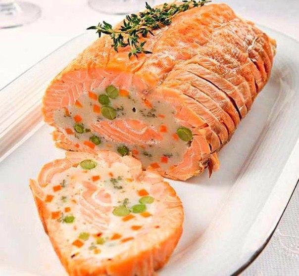 ТОП - 9 рецептов закусочных рулетов к праздничному столу и на каждый день. 1 Рулет из лосося 2 ...