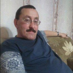 Виталий, 47 лет, Васильево