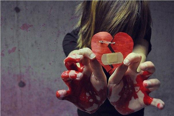Картинки разбитое сердце девушки в крови