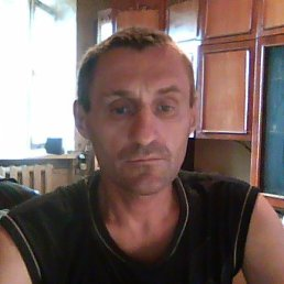 павел, 49 лет, Кировское
