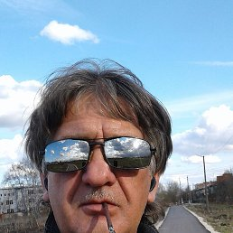 михаил, 56 лет, Гжель