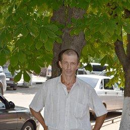 юрий, 45 лет, Новоминская