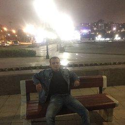 Максим, 23 года, Владивосток