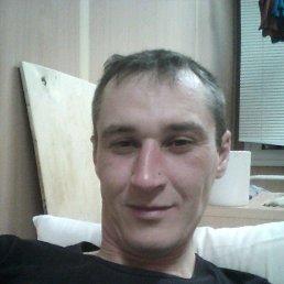Виктор, 32 года, Козулька