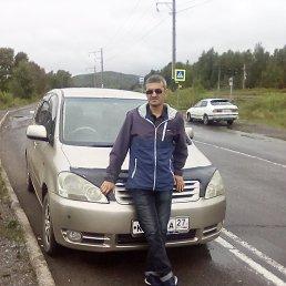 Юрий, 40 лет, Москва