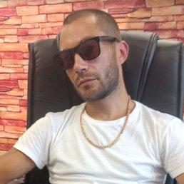 Вадим, 32 года, Омск