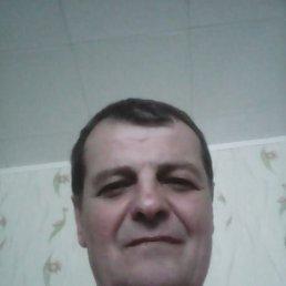 Виктор, 61 год, Кириши