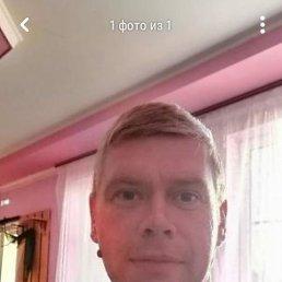 Сергей, 36 лет, Снежное