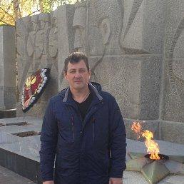Максим, Москва, 51 год