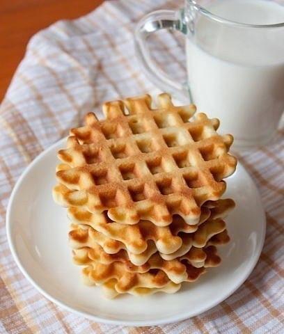 30 Рецептов вафель для электровафельницы. 1. СЛАДКИЕ ВАФЛИ. Ингредиенты: -яйца – 5 шт. -сахар – 1 ...