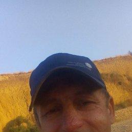 Олег, 57 лет, Тамань