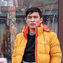 Абдурахмон, Киров, 21 год