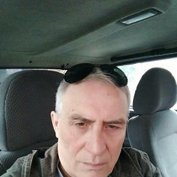 Валерий, 60 лет, Санкт-Петербург