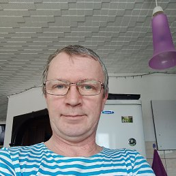 Роман, Ярославль, 52 года