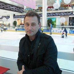 Олег, 47 лет, Малаховка