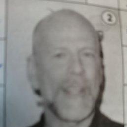 Виктор, 65 лет, Красноярск