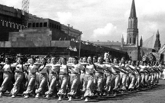 Футбол на Красной Площади. 6 июля 1936 года на главной площади страны состоялся небывалый ... - 8