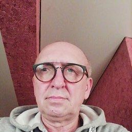 Олег, 58 лет, Омск